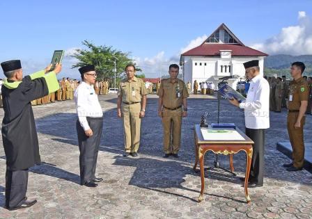 Image result for Bupati Natuna lantik Kepala UPT RSUD